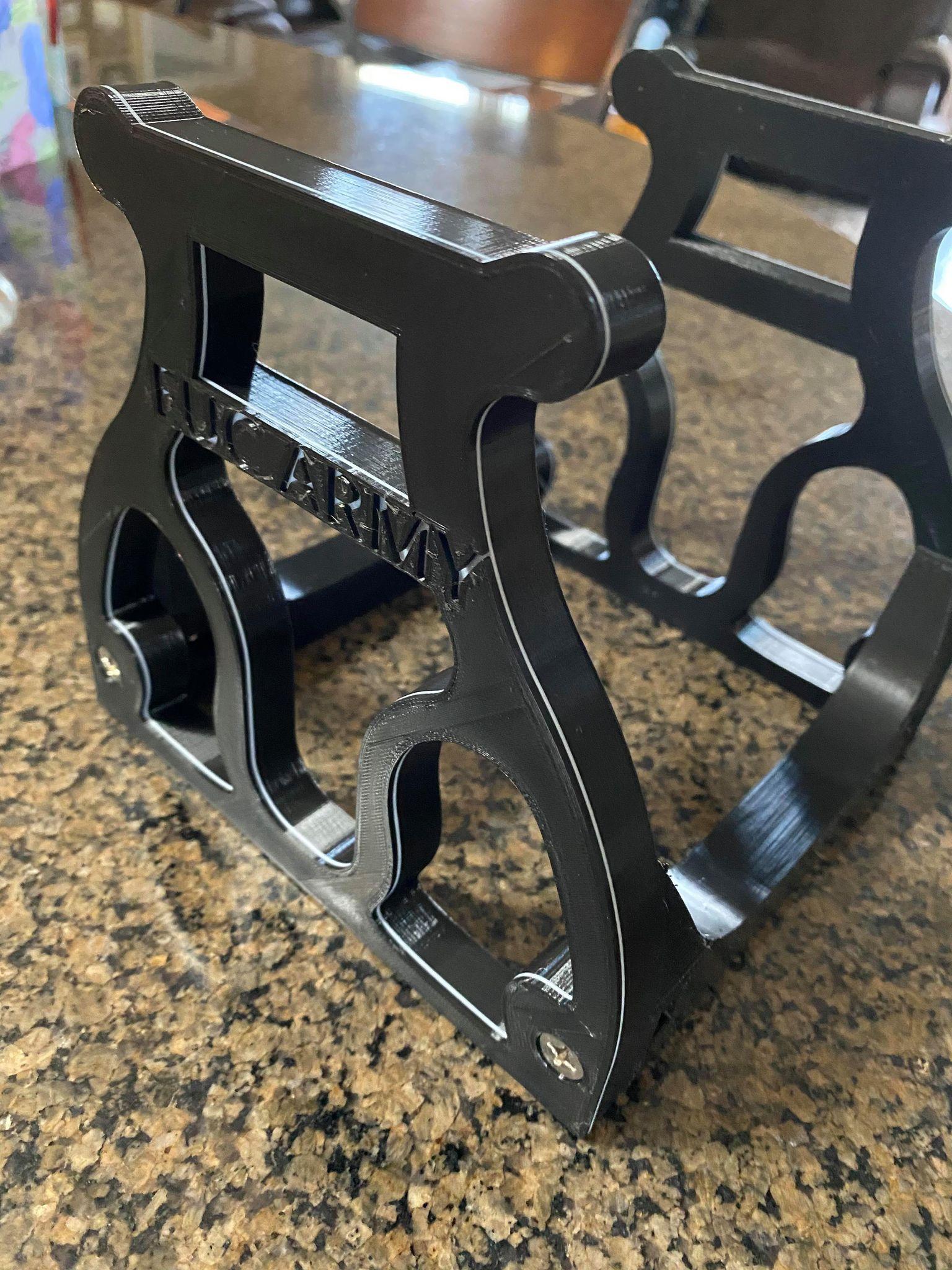 EUC Stand 2.1 Black Pinstripe